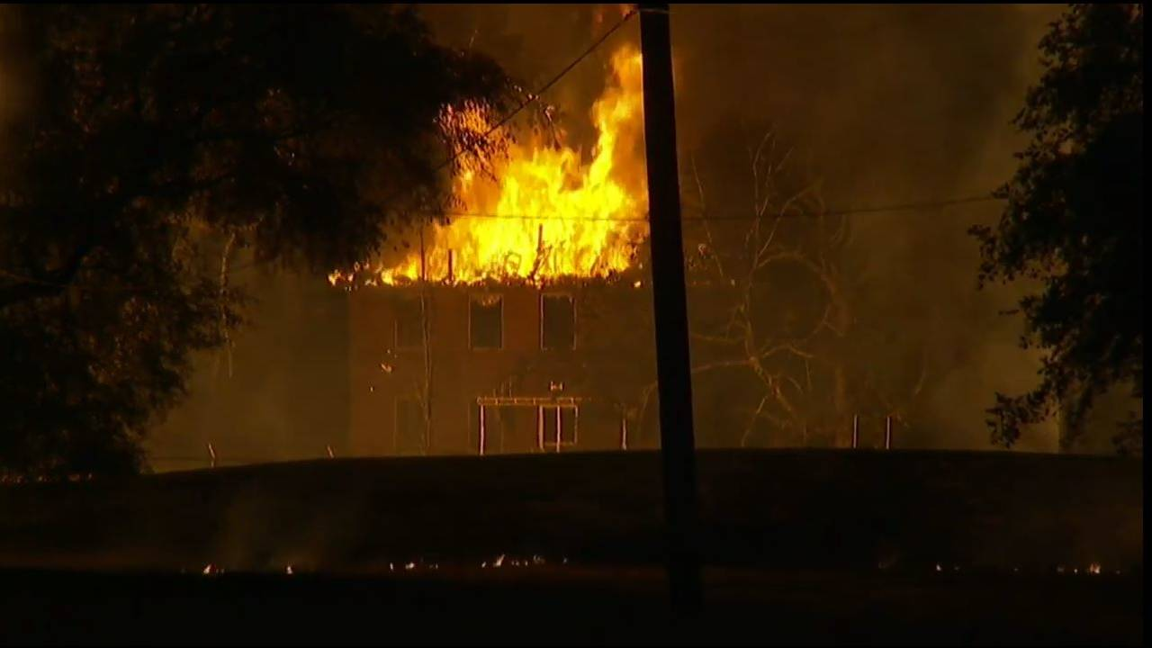 building on fire after melvindale explosion_1467453968580.jpg