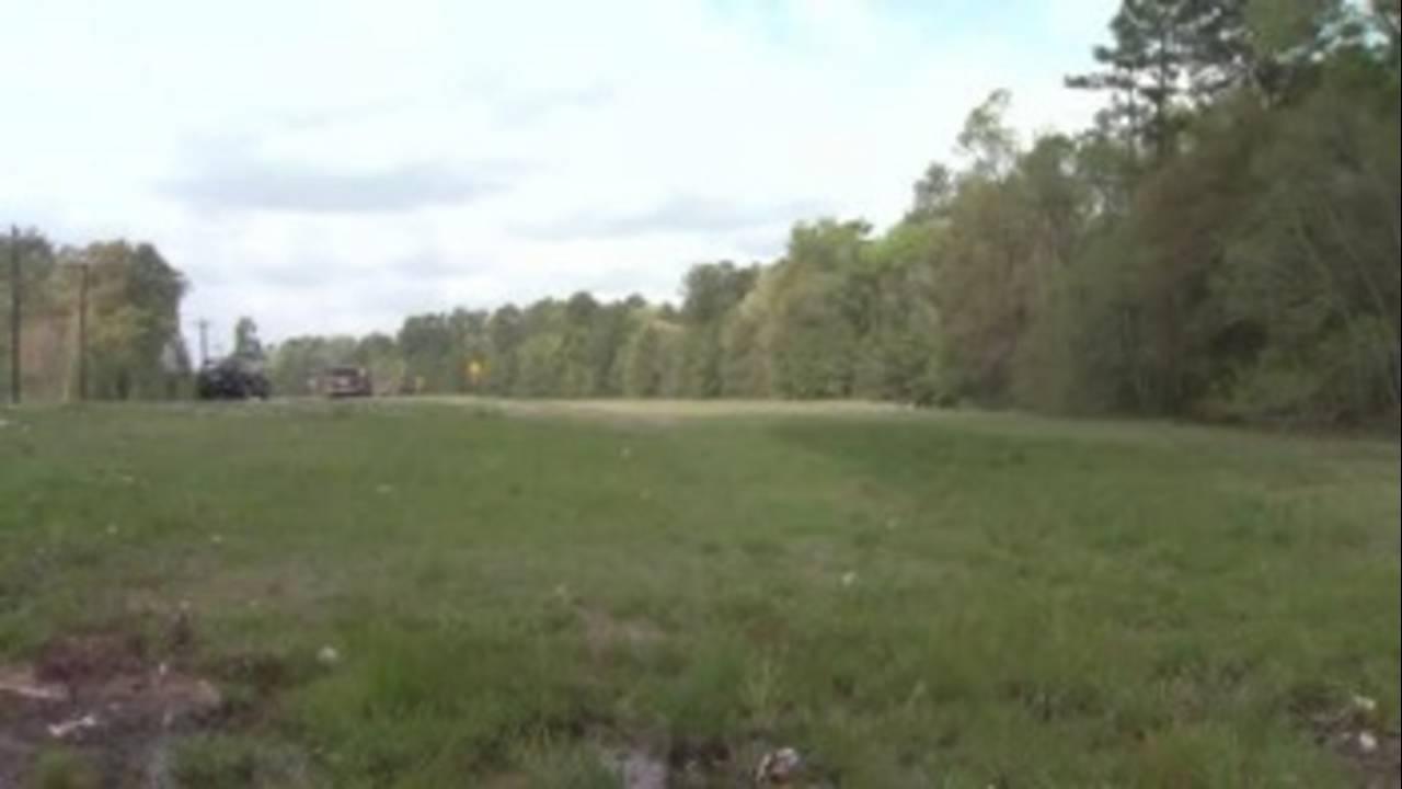 empty-land-for-amusement-pa_19656104