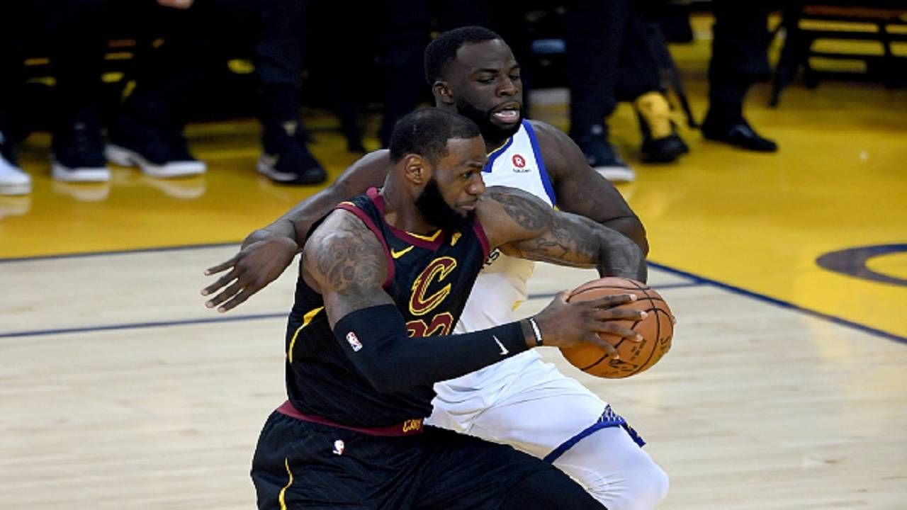 7fd67abb076 Warriors withstand James  51 points to win NBA Finals Game 1