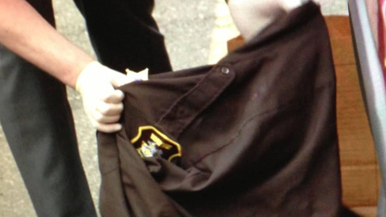 Escaped prisoner clothing 1_21849090