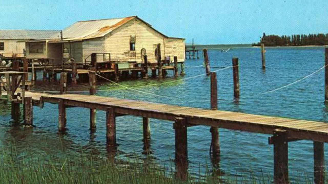 FMPClose-up-view-of-docks-on-the-Indian-River-at-Cocoa,-1969_1562880357021.jpg