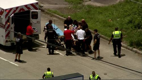 Teen in critical condition after being shot in neck at north Houston motel, officials say