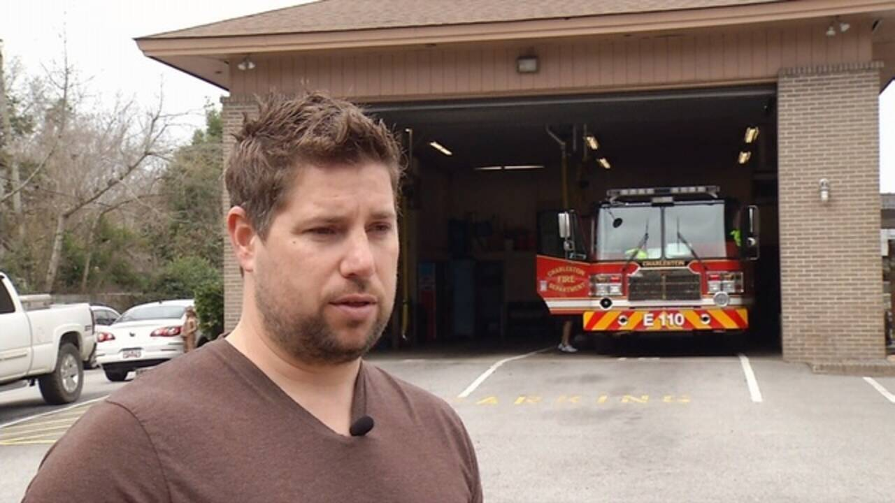 Travis-intvw-at-fire-station.jpg_33286152