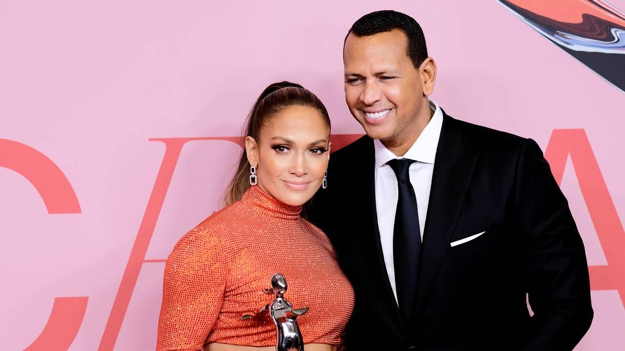 Jennifer Lopez Alex Rodriguez June 201918966653-75042528