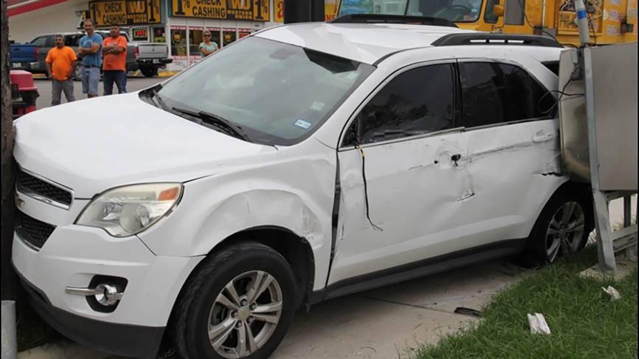crashed vehicle bank jugging