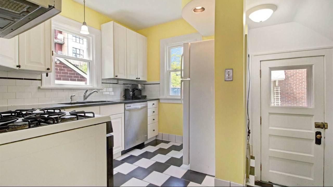 525 N Ashley Street kitchen