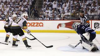 Golden Knights bounce back to tie series with Jets