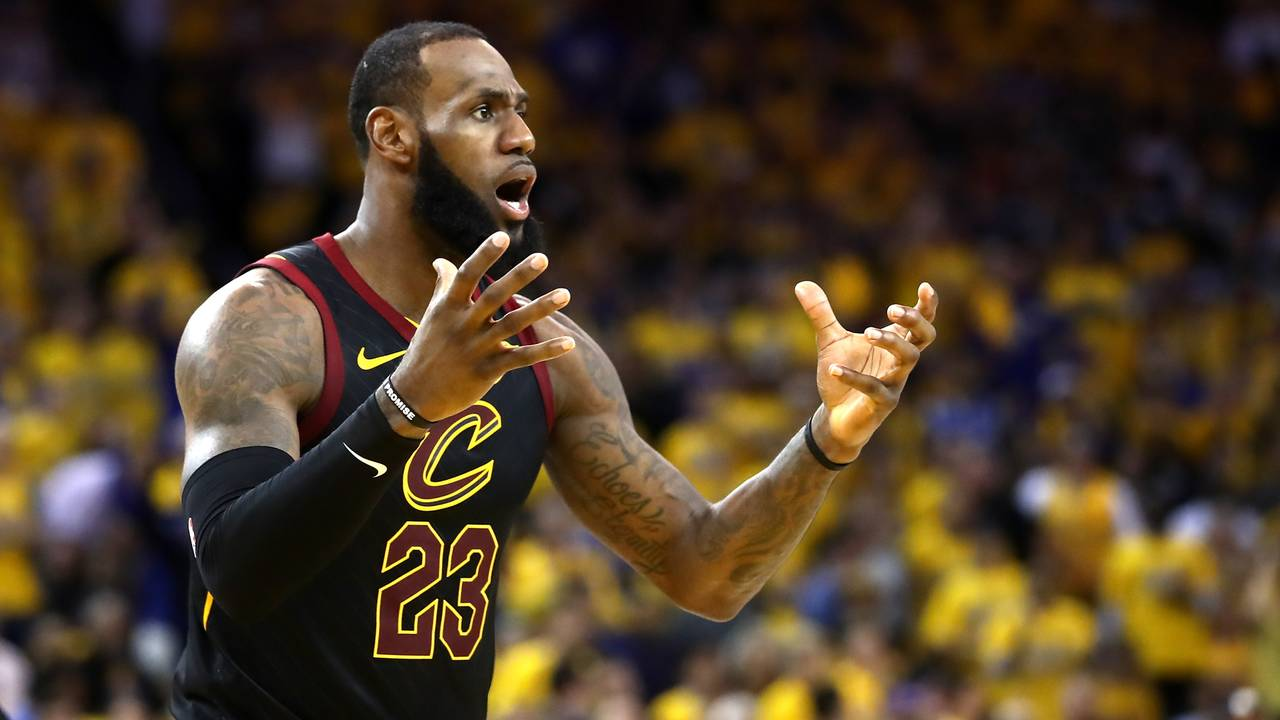 e80d029cc6b Warriors withstand LeBron s 51 points in wild OT win