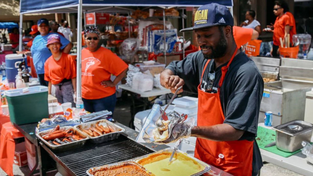 African American Downtown Festival food vendor