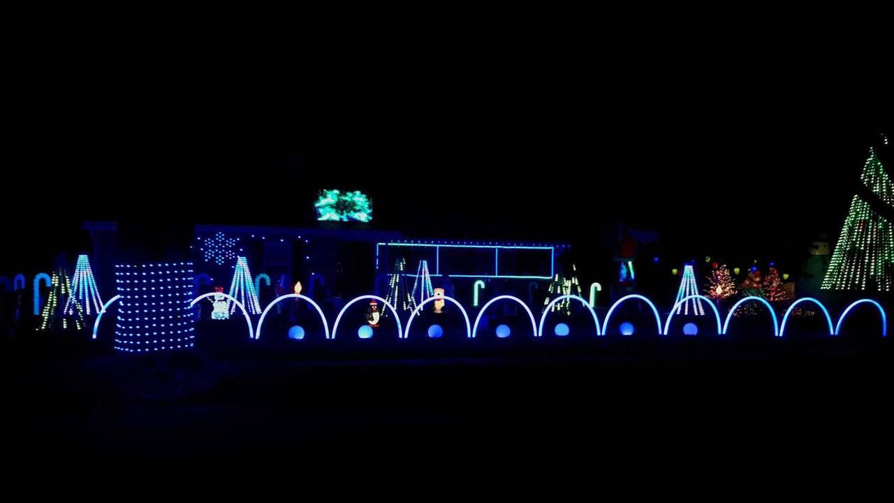 Bivona-Christmas-Light-Show_1543522744230.jpg