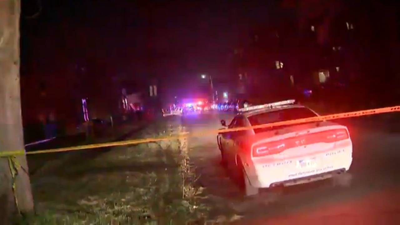 Wayne State University police officer shot scene