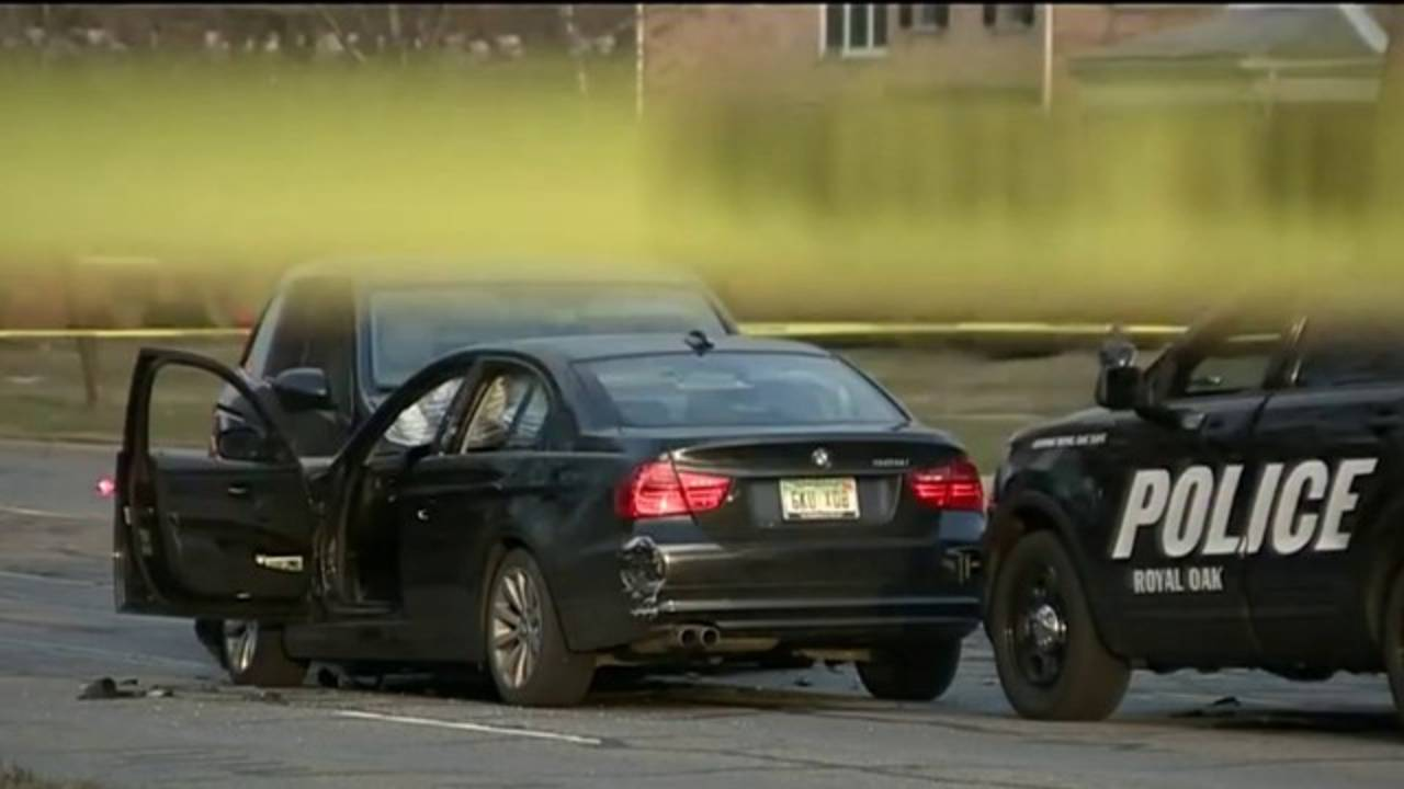 ROyal Oak police shooting crash_1523443632683.jpg.jpg