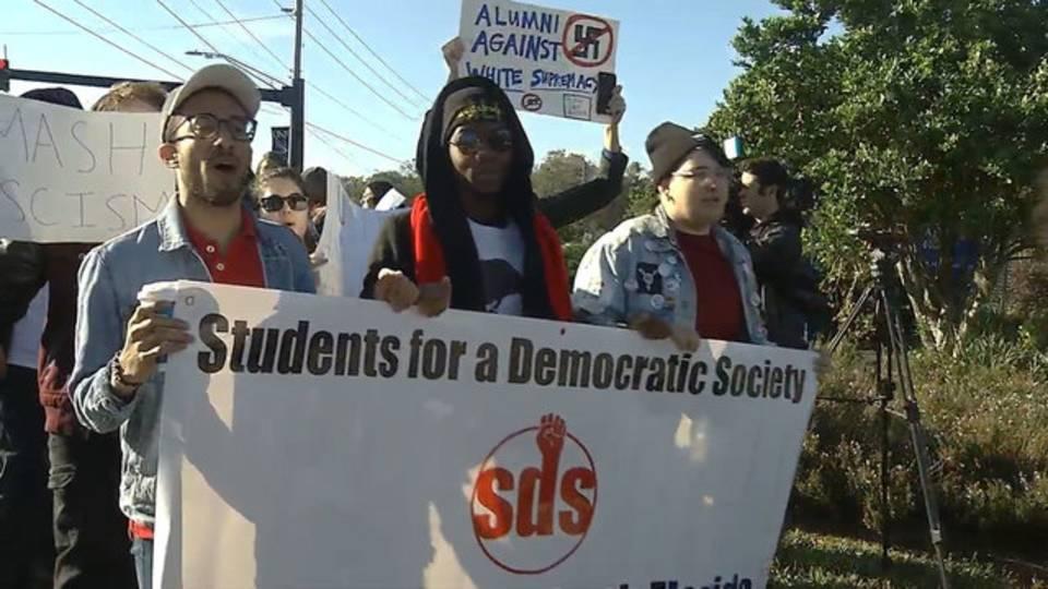 UNF-SDS-protest-over-Ken-Pa_1511199648317.jpg