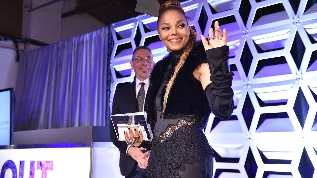 How Janet Jackson Lost 70 Pounds