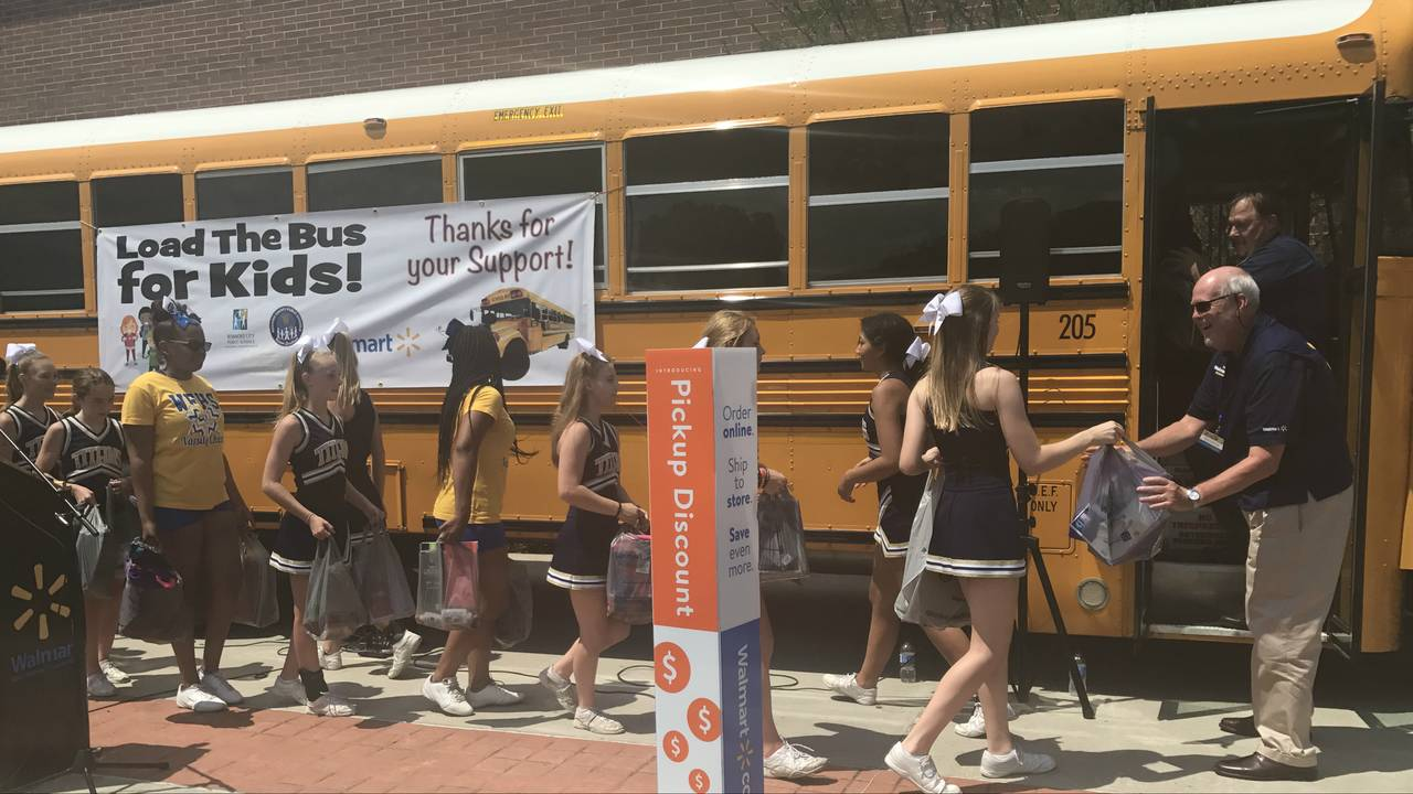 Roanoke Area High Schools Help Kick Off Load The Bus For