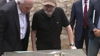 Singer Phil Collins unveils 7 new sculptures at the Alamo