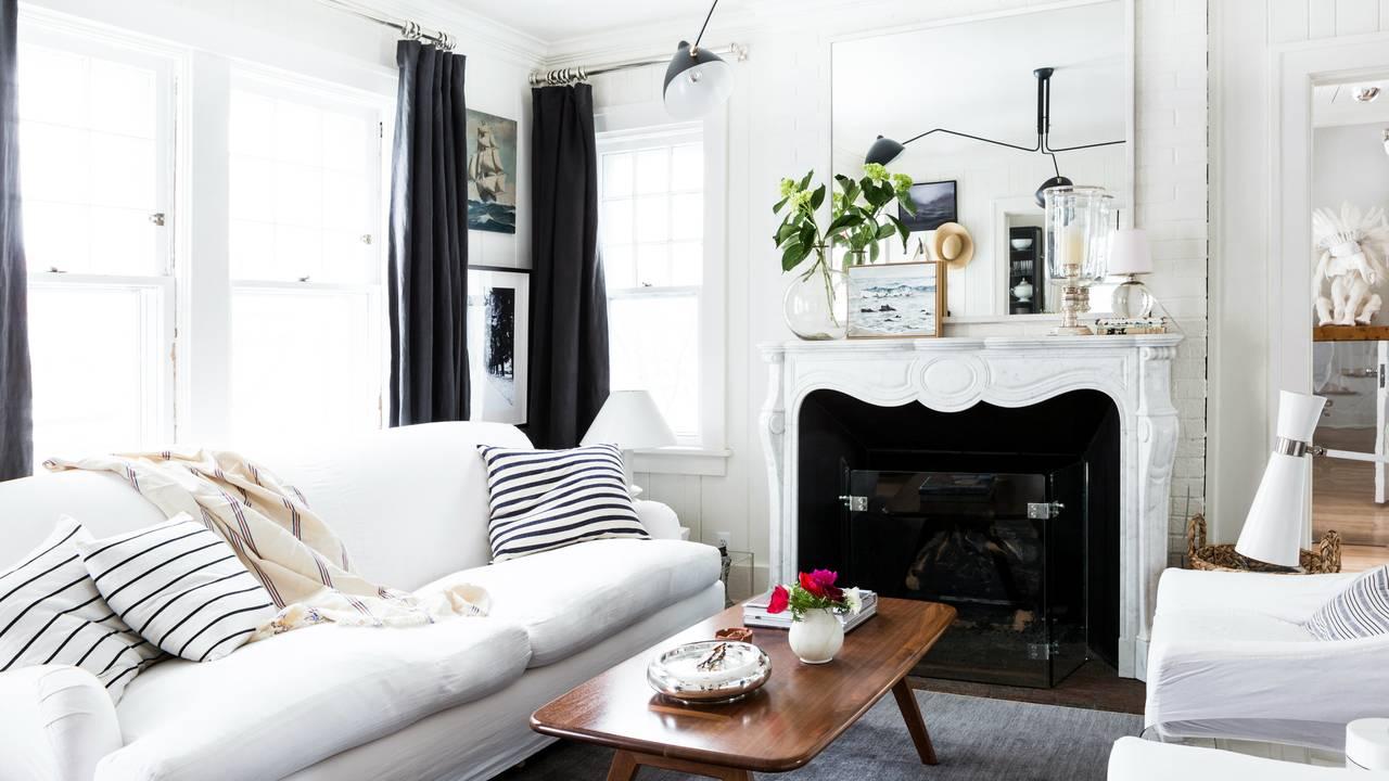 1230 Olivia Ave Living Room