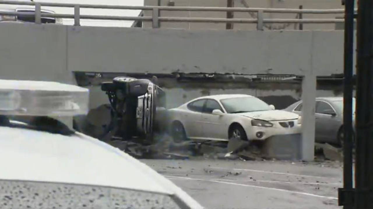 Detroit parking deck collapse 6