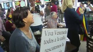 Hundreds of people in Doral to protest against Venezuelan president's policies