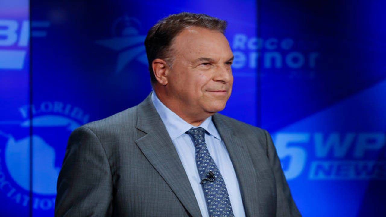 Jeff Greene awaits start of final Democratic gubernatorial debate in Palm Beach Gardens