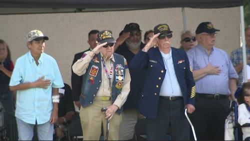 Houstonians gather at Houston National Cemetery to pay tribute to fallen heroes