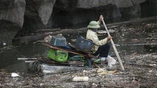 Vietnam flooding kills 20, leaves over a dozen missing