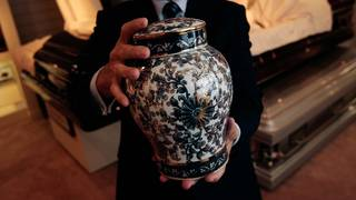 Court rules mortuary must pay widow for 'coerced' cremation