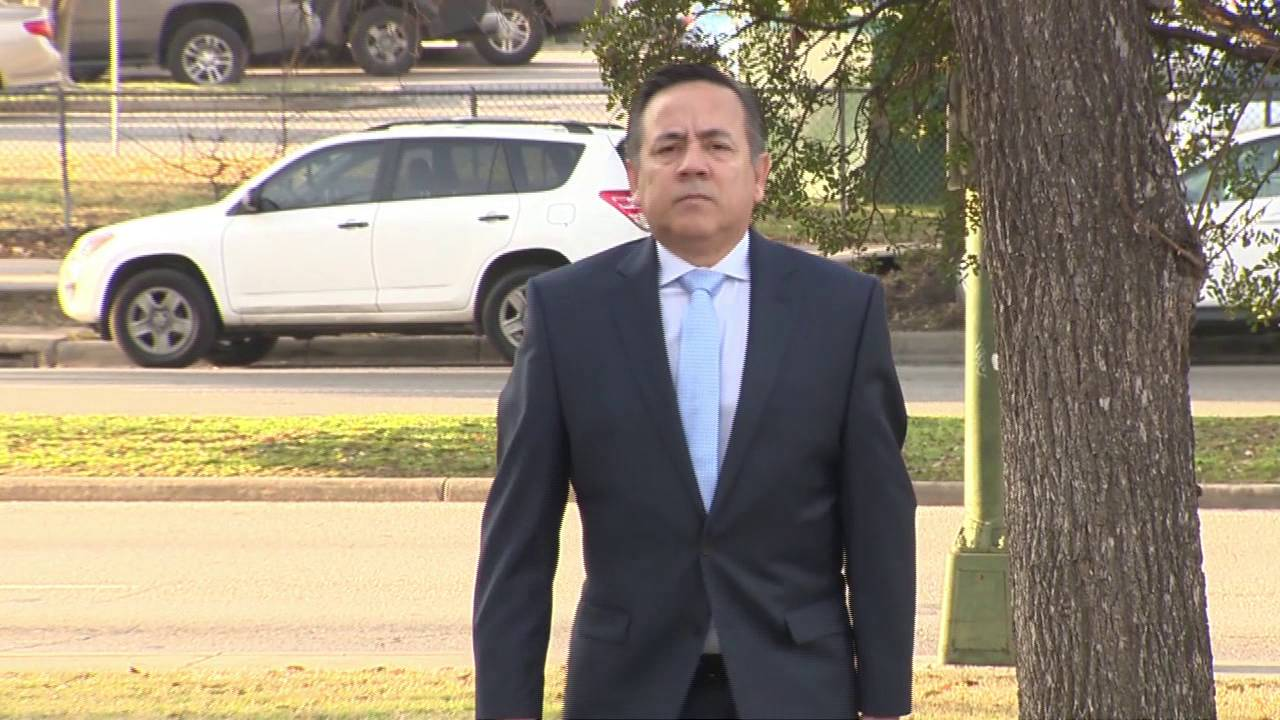 carlos-uresti-enters-federal-court_1517514329755.png