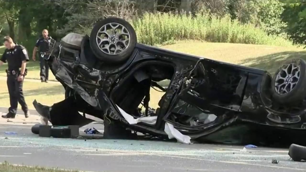 2 people killed in crash on Berg Road in Southfield20180710161040.jpg