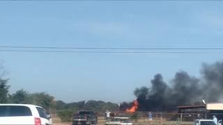 Passengers survive WWII-era plane crash in Texas