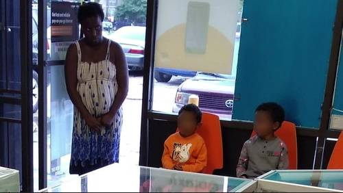 Mother who abandoned her 2 kids at cellphone store found safe, police say