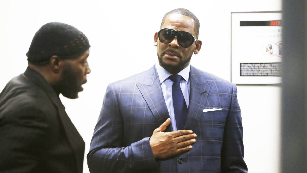 R Kelly arrives at court March 6, 201988073534-75042528