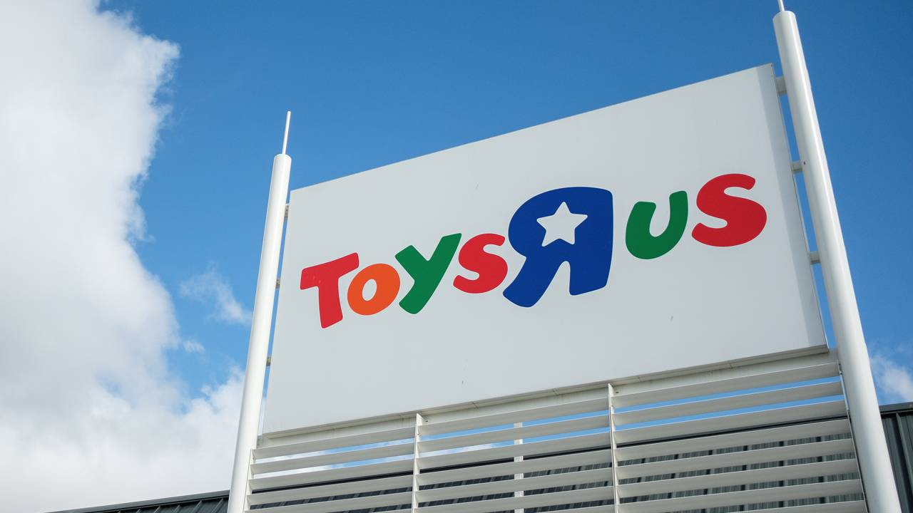 South Florida Toys R Us Stores To Hold Big