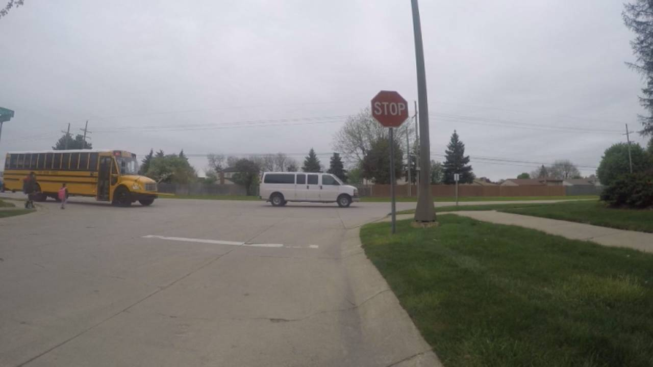 Drivers not stopping for school bus Troy 4
