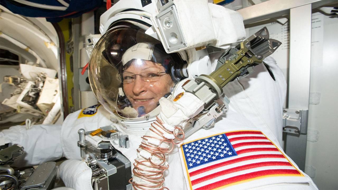 Peggy spacewalk 2