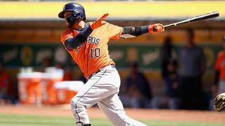 Yuli Gurriel steps in to help victims of Cuba plane crash