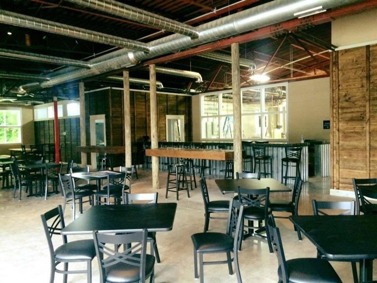 inside of Harsens Island Brewery_34331490