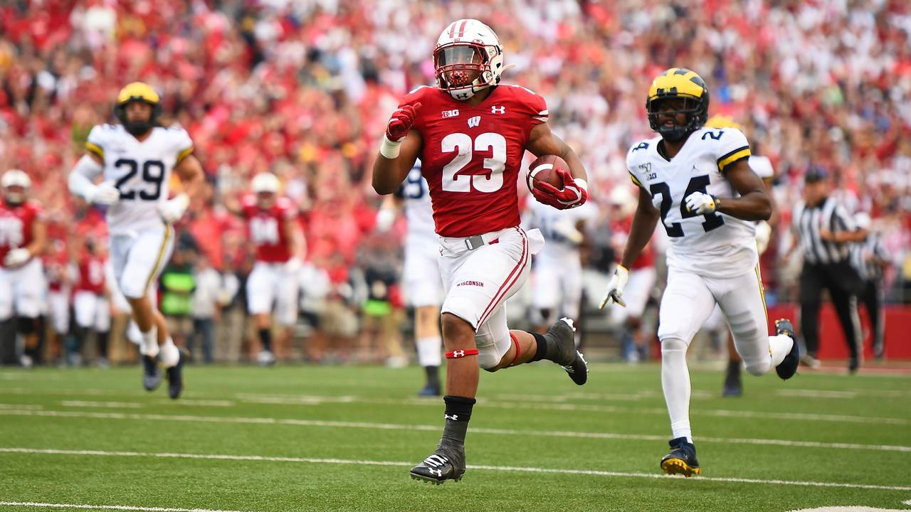 Jonathan Taylor touchdown run Michigan vs Wisconsin 2019