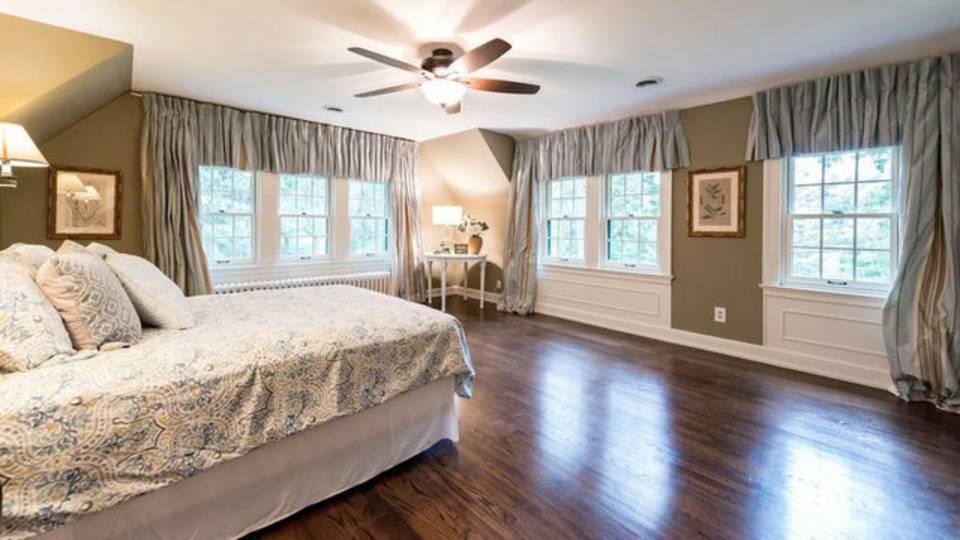 2204 Lafayette Rd master bedroom