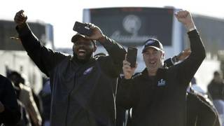 Eagles get hero's welcome after winning 1st Super Bowl title