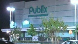 2 sought in purse-snatching outside Publix in Volusia, deputies say