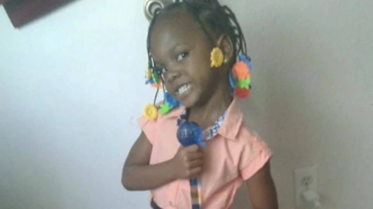 Toddler dies after being caught in crossfire, police say20180401141924.jpg