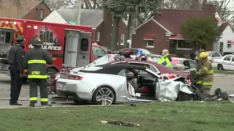 2 Killed In Two Car Crash On Detroit S West Side