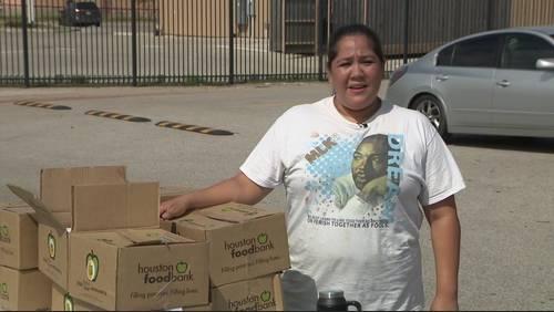 Volunteers donate to help victims of Imelda's wrath