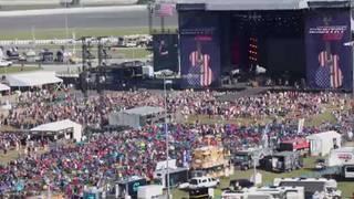 Rain won't deter fans at Country 500 Music Festival in Daytona Beach