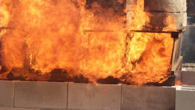 Burning-old-vs-new--pix.jpg_31431426