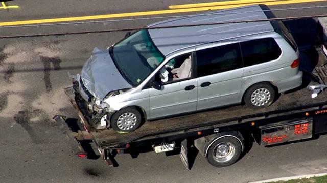 Gray minivan 14 Mile and Ryan roads crash