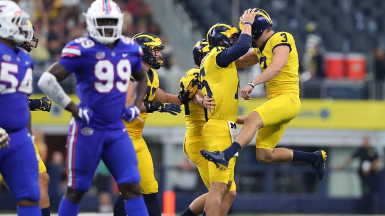 Quinn Nordin celebrates Michigan football vs Florida 2017