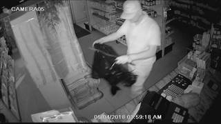 Thief gets away with $1,000 in cash during pharmacy burglary in Miami