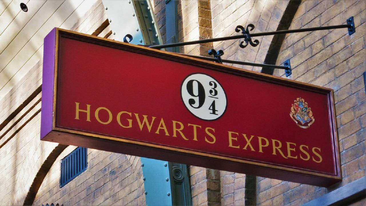 platform hogwarts express_1539359140742.jpg.jpg